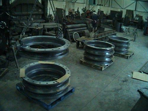 http://www.charleswatts.co.uk/wp-content/uploads/2018/04/large_Flange_Spacers.jpg